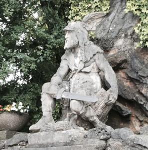 Mälo -Denkmal an der Kölner Straße.